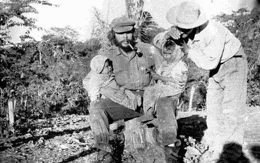 Jedna z posledních fotek, na které je Che Guevara v Bolívii ještě před dopadením.