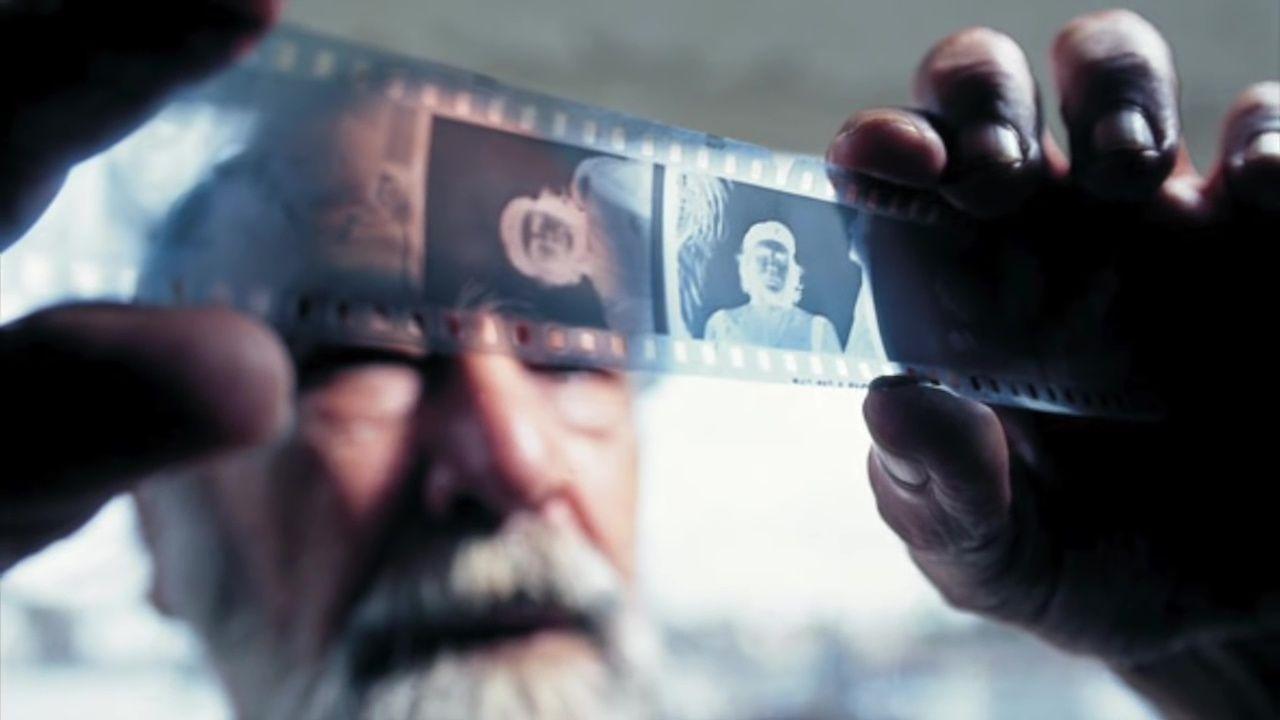 Autorem snímku je kubánský fotograf Alberto Korda (na snímku). Korda svůj nejslavnější portrét, který se stal symbolem revolucionářství, popisoval vícekrát. Che Guevara je na něm podle něj zosobněním odhodlání, ale i nesmiřitelnosti a bolesti.