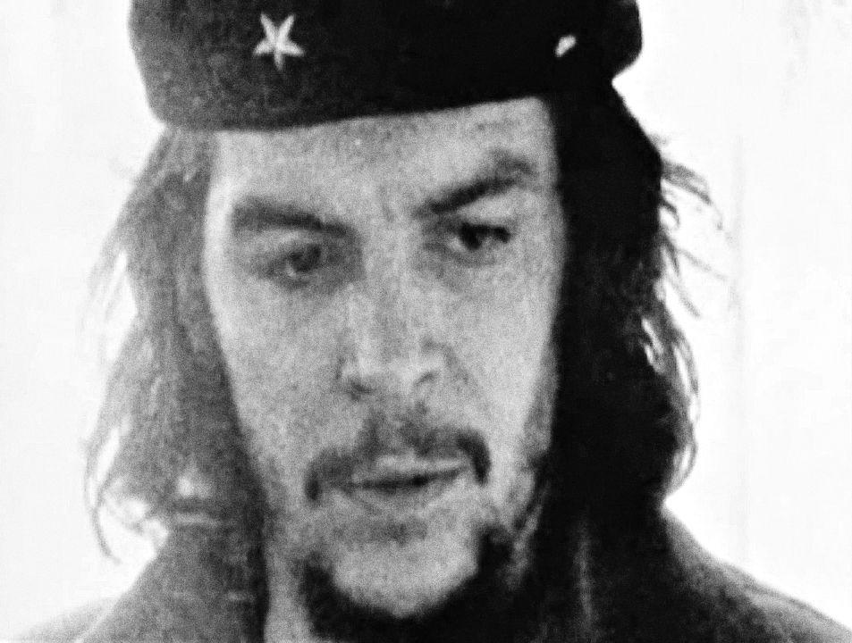 Che si ale nenechal říci a Kubu v roce 1965 opustil.