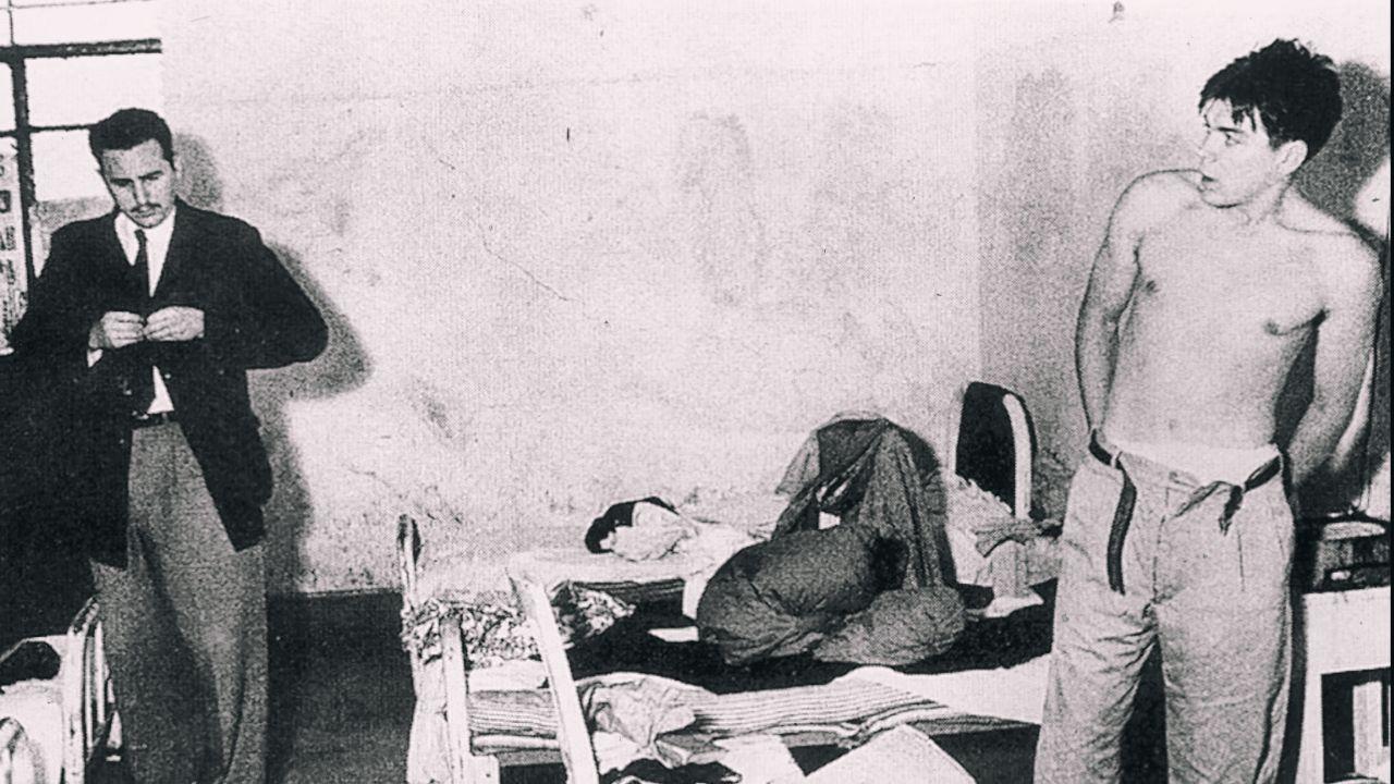 """Osudové setkání s Fidelem Castrem se uskutečnilo v Mexiku v roce 1954. V té době už měl Che zkušenosti z Guatemaly, kde se USA zasadily o puč, který zatočil s místními levicovými myšlenkami. """"Nemluvili o ničem jiném než o revoluci,"""" přiznala později na adresu svého muže a Fidela Castra Guevarova první manželka Hilda. Za svědka na svatbě jim šel Fidelův bratr Raúl Castro."""