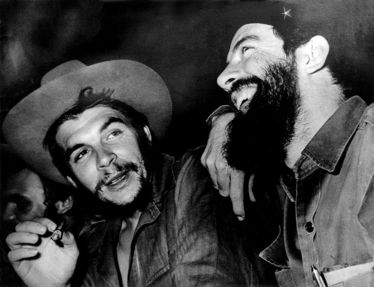 """Časopis Time v roce 1960 Che Guevaru označil za """"nejvíce fascinujícího a nejnebezpečnějšího člena triumvirátu"""" na Kubě."""