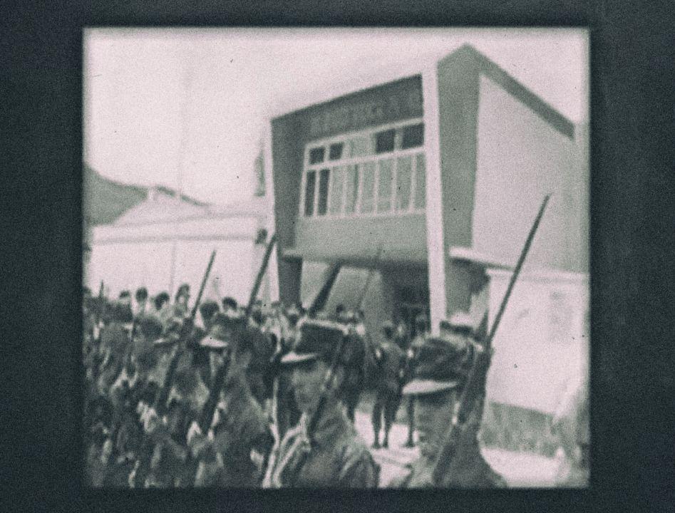 Několik dílčích úspěchů s partyzány zaznamenal, ale jejich skupina měla v patách tisíce bolivijských vojáků...