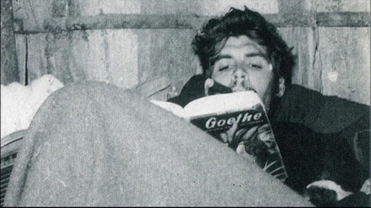 Přes den byl bojovníkem revoluce, večer čtenář německého básníka Goetheho.