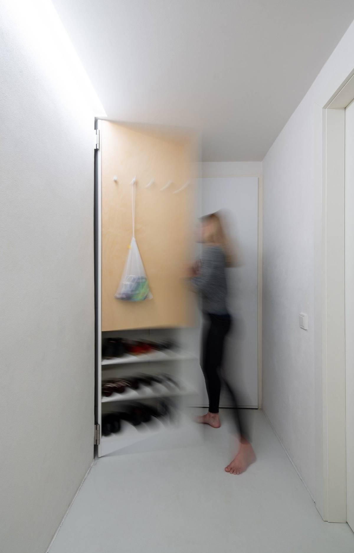 """""""Snažili jsme se do prostoru co nejefektivněji vměstnat úložné prostory pro plnohodnotné bydlení."""""""