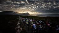 Třetí etapa osmidenního závodu dvojic na horských kolech Cape Epic 2019 v Hermanusu v Jihoafrické republice. (Canon EOS 5D Mark IV, EF 15 2,8, 1/60 s, f/10, ISO 100)