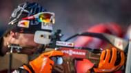 Rakouský biatlonista Dominik Landertinger střílí při závodě Světového poháru v biatlonu v Novém Městě na Moravě. (Canon EOS 1DX, EF 300 2,8 IS USM L II, 1/2000 s, f/3,2, ISO 320)