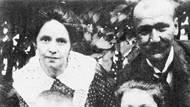 Malý Václav Morávek (vlevo dole) spolu se svými rodiči a sestrou.