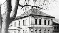 Jedním z míst, kde se odbojáři setkávali, bylo rodinné sídlo Vojtěchovských ve Strašnicích. Z domu vysílala radiostanice SPARTA.