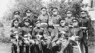 Josef Mašín (na fotografii druhý zleva, první řada) byl 28. dubna 1915 odveden a zařazen k c.k. pěšímu pluku č. 36, se kterým odjel na ruskou frontu. Brzy však přeběhl do ruského zajetí a pak se přihlásil do Československých legií.
