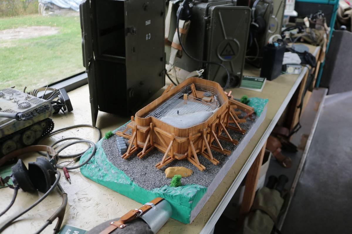 Model bunkru, který ukazuje, jak se řopíky stavěly.