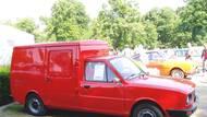 Furgonet z let 1982 a 1983 je pro změnu ukázkou toho, jak mohla vypadat užitková verze řady 742. Do výroby se nedostal, Škoda ale mezi lety 1982 a 1988 ale nabízela sedan 105 SP bez zadních sedadel.