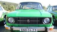 Provedení 105 znamenalo litrový motor, 120 měla pod kapotou dvanáctistovku. Koncepce s motorem vzadu a pohonem zadních kol byla stejná jako u 100/110, změnou byl především chladič umístěný vpředu.