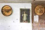Veškeré opravy domu musí majitelé, kvůli památkové ochraně, konzultovat s památkáři.