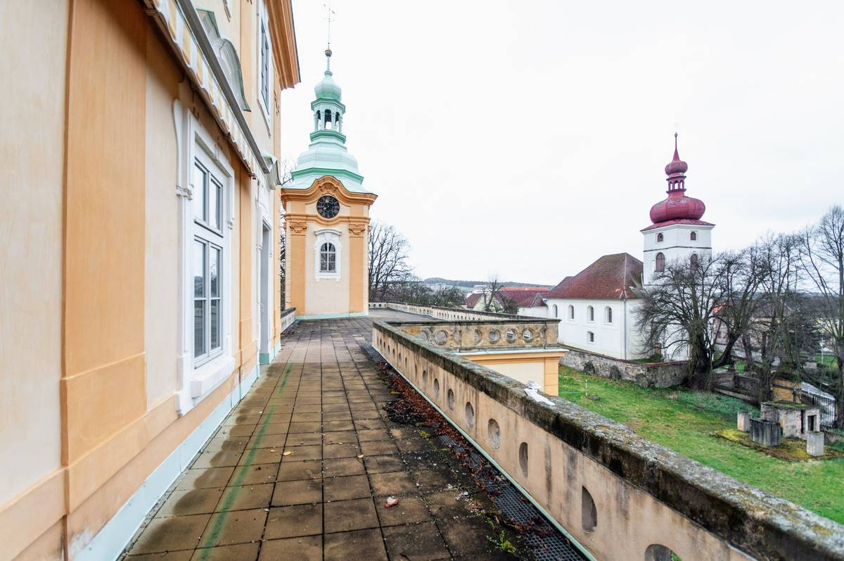 V roce 1838 koupil zbytek panství Ferdinand Lobkowicz, který ale areál vlastnil jen asi tři dekády.