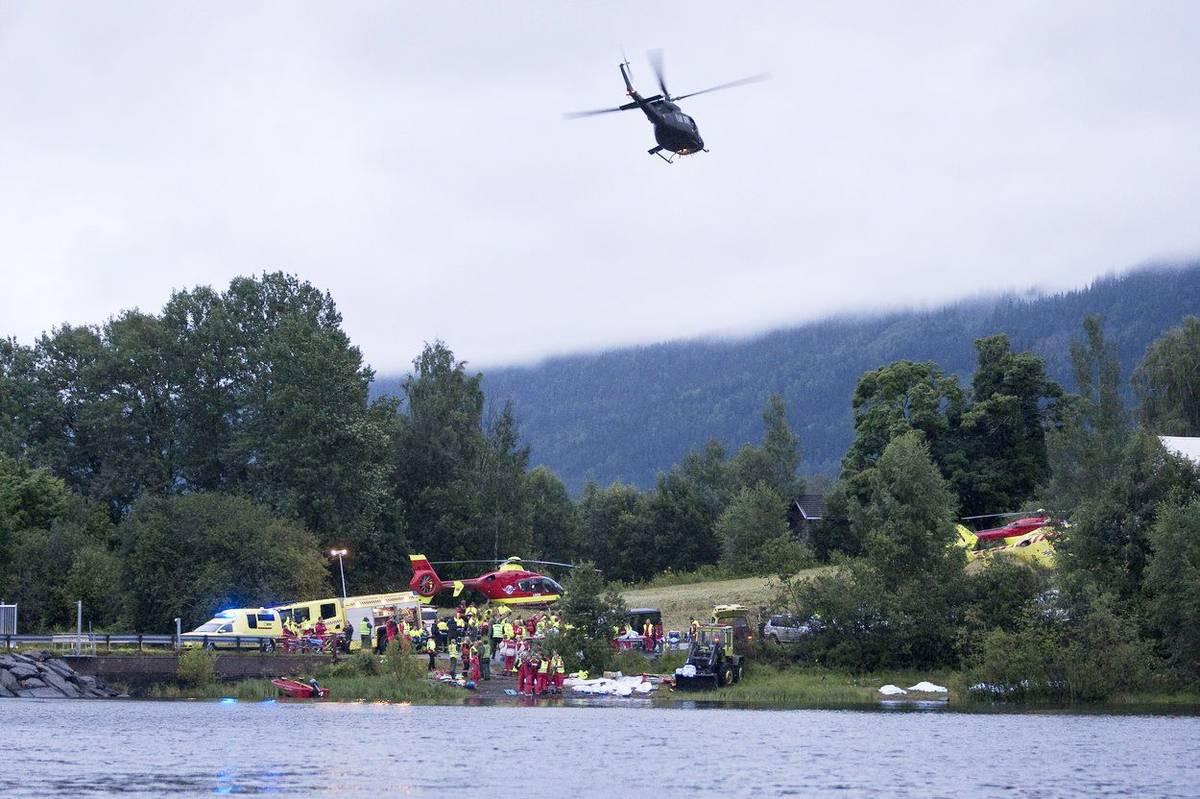 Útok na ostrově přežilo asi 500 dětí. Mnozí se zachránili skokem do vody a plavali pryč od ostrova, kde je vylovily okolo plující výletní lodě.
