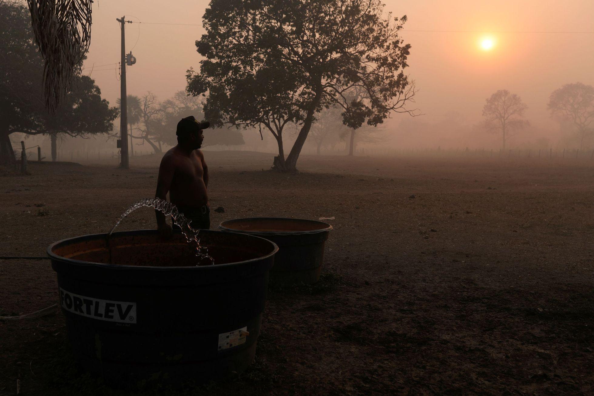 Farmáři, kteří v oblasti chovají dobytek, jsou na povodně zvyklí.