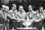 O rok později se národ dočkal. Čechoslováci vybojovali salátovou mísu v nezapomenutelném domácím finále proti Itálii. Kodeš byl součástí týmu, do hry se ale nedostal. Triumf zajistili Ivan Lendl a Tomáš Šmíd.