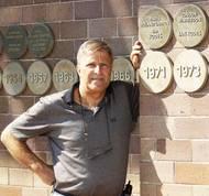 Za výhru ve Wimbledonu dostal Kodeš na dnešní poměry směšnou odměnu 5 tisíc liber. Koupil za ně svému otci v Tuzexu fiata 850. Dodnes si pamatuje, že stál 27 tisíc tuzexových bonů.
