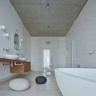 Součástí domu je také několik koupelen...
