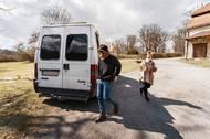 Na větší cestu se od vypuknutí pandemie koronaviru loni v březnu zatím s Dodynkou a psem Samuelem nevypravili, až se situace ale uklidní, rádi by vyjeli třeba do Řecka. Zatím si tak užívají příležitostné výlety po Česku.