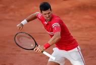 ...pak salva dlouho zadržovaných emocí. Srbský tenista od třetího setu nenabídl soupeři ani jeden brejkbol.