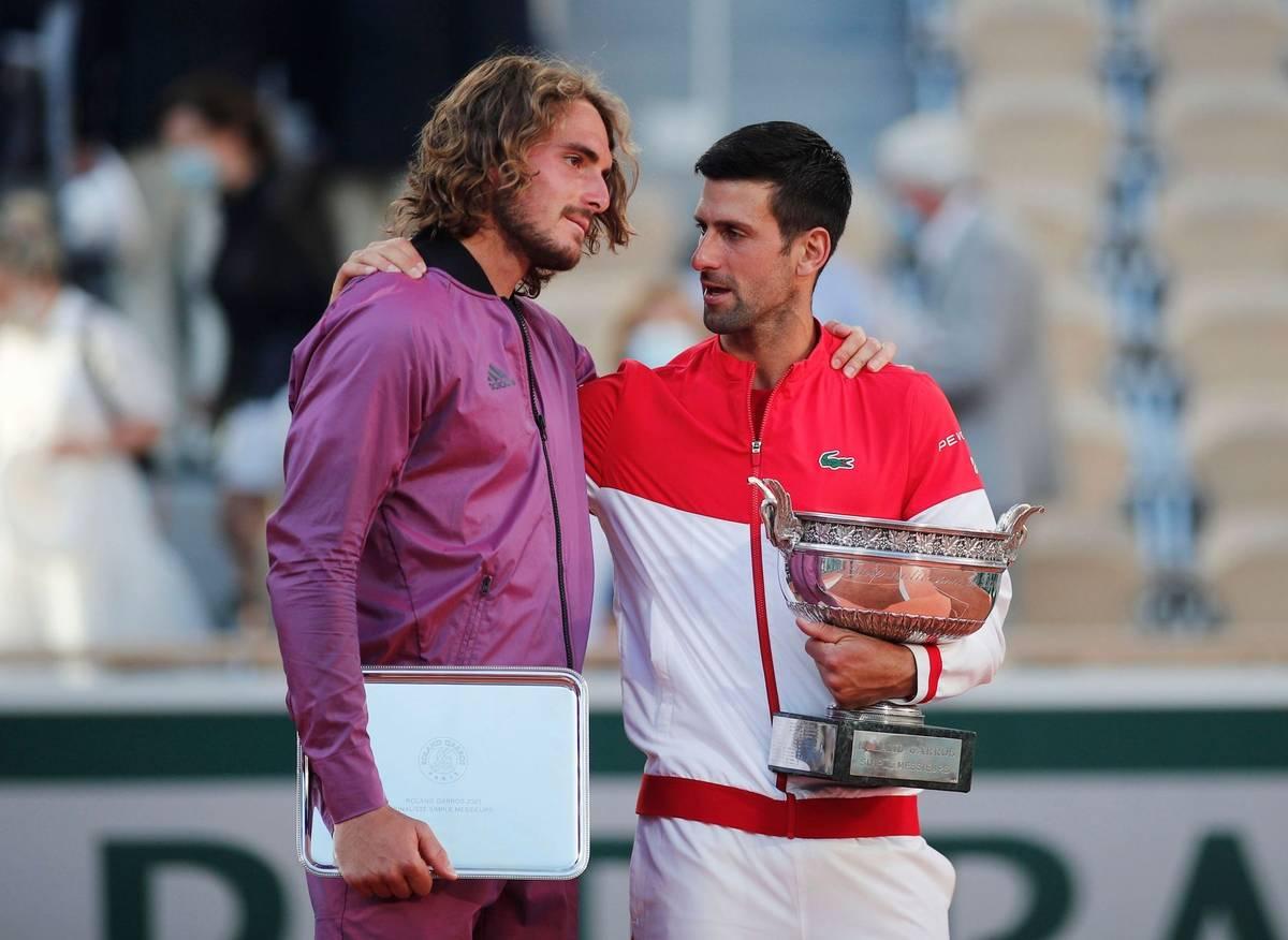 Největšího favorita, třináctinásobného vítěze a antukového krále Rafaela Nadala, odklidil Djokovič z cesty už v semifinále. V boji o trofej ale musel zdolat neméně zdatného soka. Byl jím dvaadvacetiletý Řek Stefanos Tsitsipas.